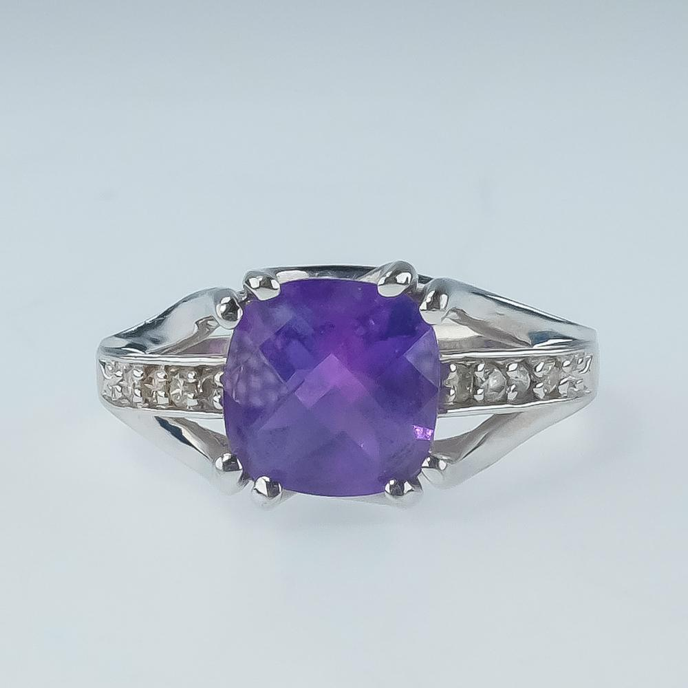 10K White Gold 1.50ct Checkerboard Amethyst & Diamond Accents Split Shank Ring Gemstone Rings Oaks Jewelry