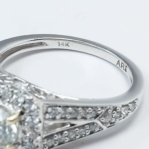 14K White Gold 0.63ct GIA Round Brilliant Diamond VS1/J Halo Engagement Ring Engagement Rings Oaks Jewelry