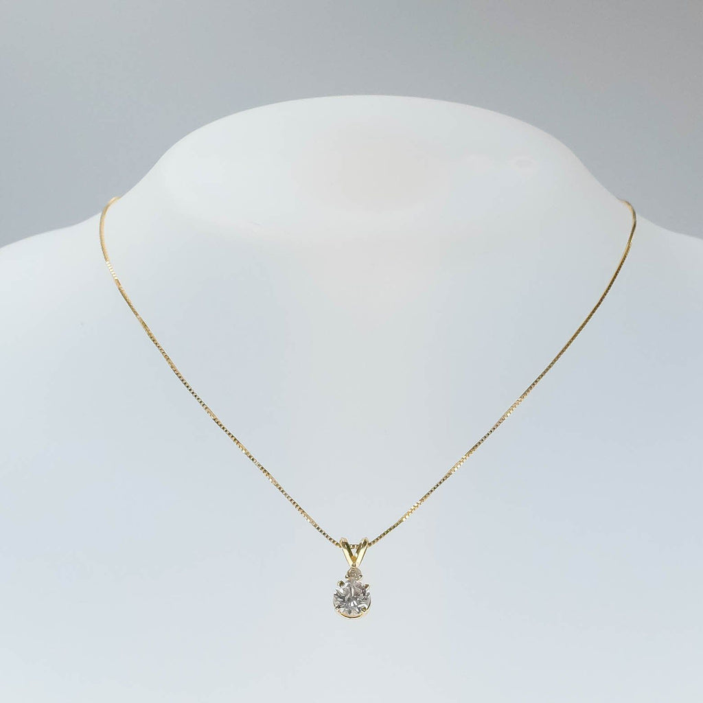 "14K Yellow Gold 0.87ct Round SI2/I Diamond Pendant with 0.9mm Wide 18"" Box Chain Pendants with Chains Oaks Jewelry"