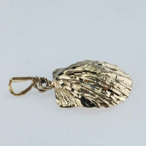 14K Yellow Gold Diamond Cut & Textured Clam Shell Nautical Pendant - 2.7 grams Pendants Oaks Jewelry
