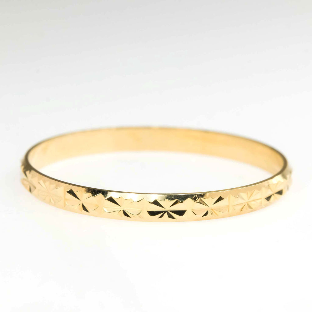 1.9mm Wide Diamond Cut Starburst Stackable Band Ring in 18K Yellow Gold Metal Rings Oaks Jewelry