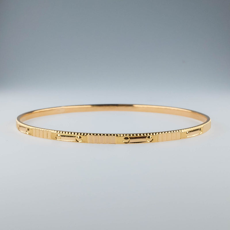 22K Yellow Gold 2.7mm Wide Etched Bangle Bracelet - 10.0 grams Bracelets Oaks Jewelry