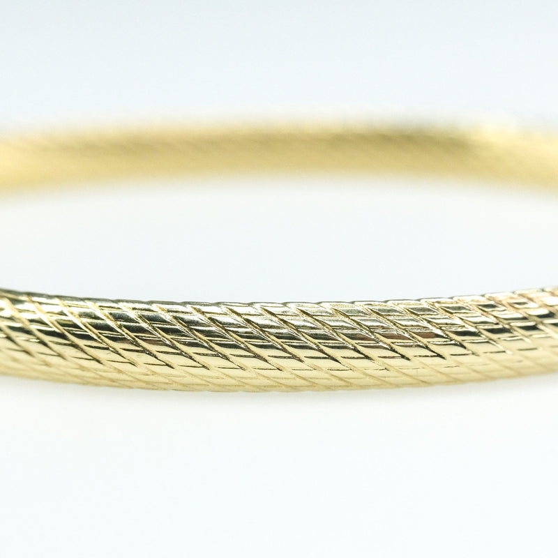 4.7mm Wide Hollow Etched Hinged Bangle Bracelet in 14K Yellow Gold - 6.3 grams Bracelets Oaks Jewelry