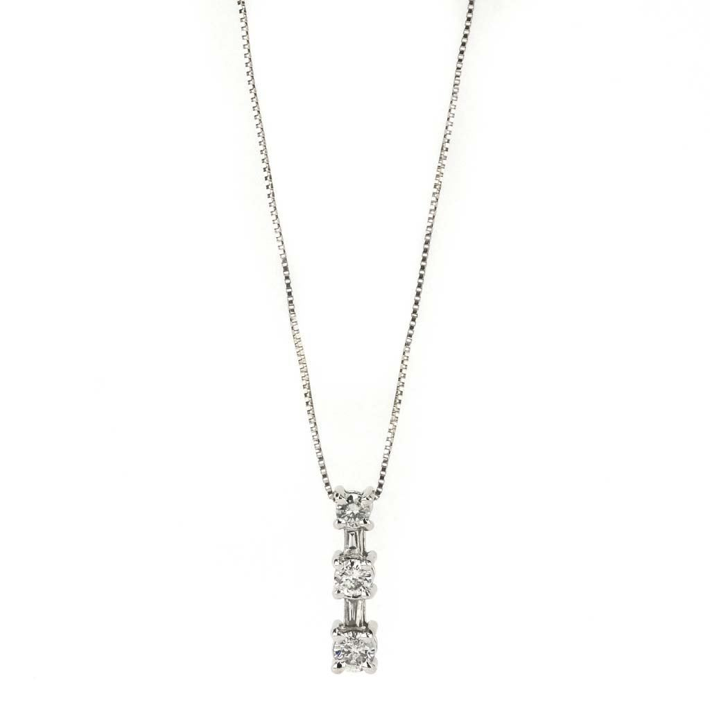 "Diamond Graduated Drop 18"" Necklace 0.33ctw in 14K Yellow Gold Pendants with Chains Oaks Jewelry"