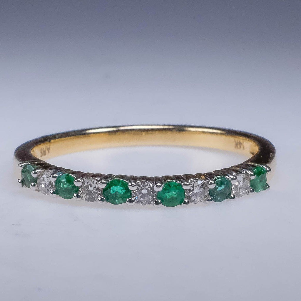 NEW 14K Yellow Gold 0.35ctw Diamond And Emerald Stackable Wedding Band Sz 6.75 Wedding Rings Oaks Jewelry