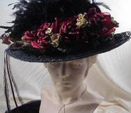 Ladies Black Victorian Touring Hat w/Burgundy Roses