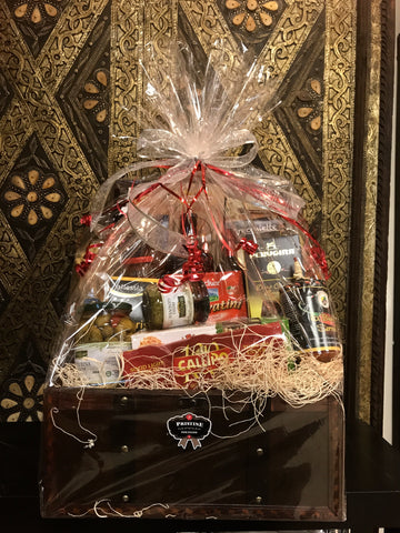 Italian gift baskets italianmart if an item doesnt fit securely in the gift basket we will contact you and change your basket to bigger size with small amount of price difference negle Choice Image