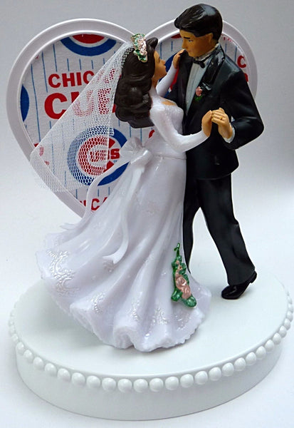 Baseball wedding cake topper Chicago Cubs fans fun heart dancing bride groom reception gift idea bachelorette party unique Fun Wedding Things