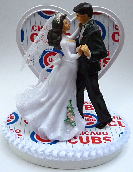 Chicago Cubs wedding cake topper dancing bride groom pretty baseball MLB fans heart reception gift Fun Wedding Things