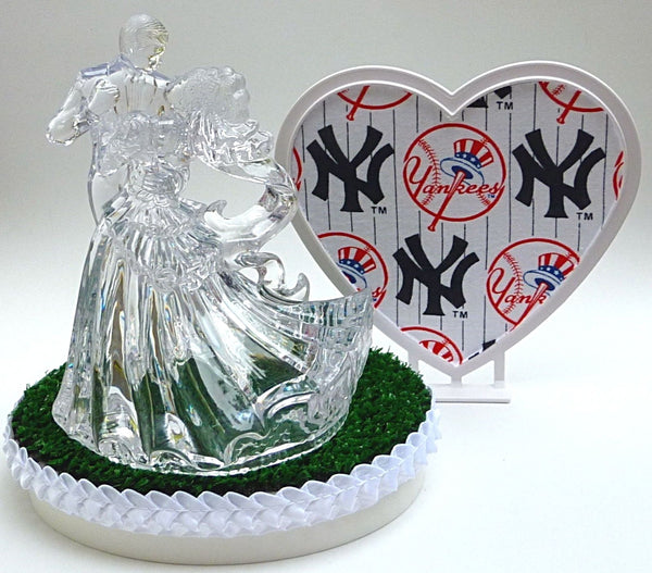 FunWeddingThings.com New York Yankees wedding cake topper MLB baseball fans bride groom dancing
