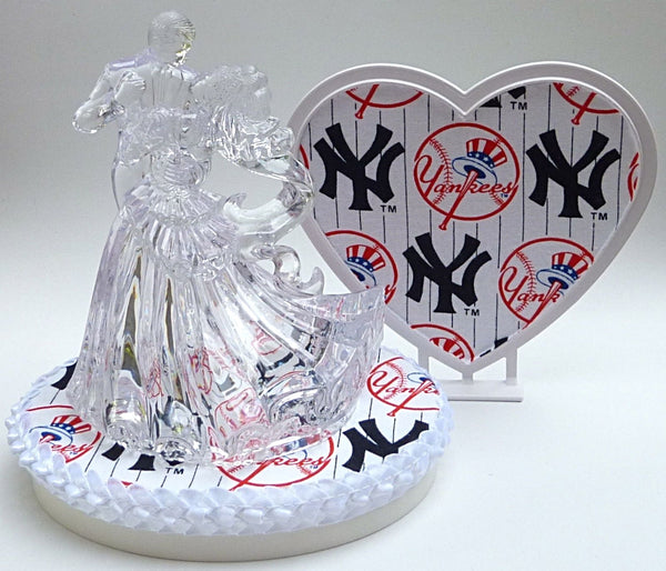 New York Yankees wedding cake topper FunWeddingThings.com MLB baseball NY fans bride groom dancing