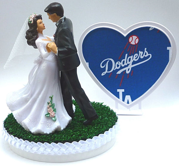 Los Angeles Dodgers wedding cake topper baseball L.A. pretty bride groom dancing heart green turf Fun Wedding Things reception gift bridal shower
