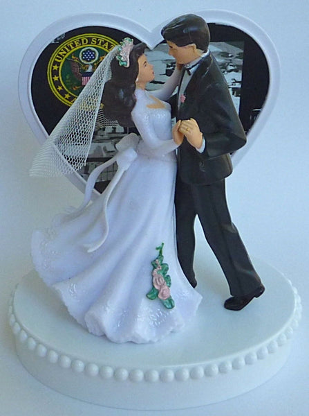 Army wedding cake topper U.S. military enlisted Fun Wedding Things service man woman dancing couple pretty heart reception