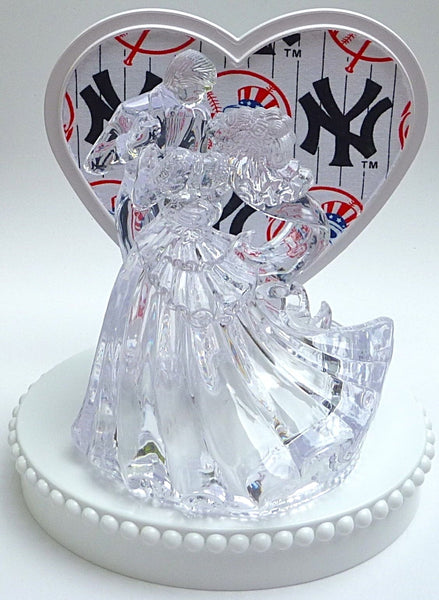 Yankees groom's cake top Fun Wedding Things NY baseball wedding cake topper New York fans