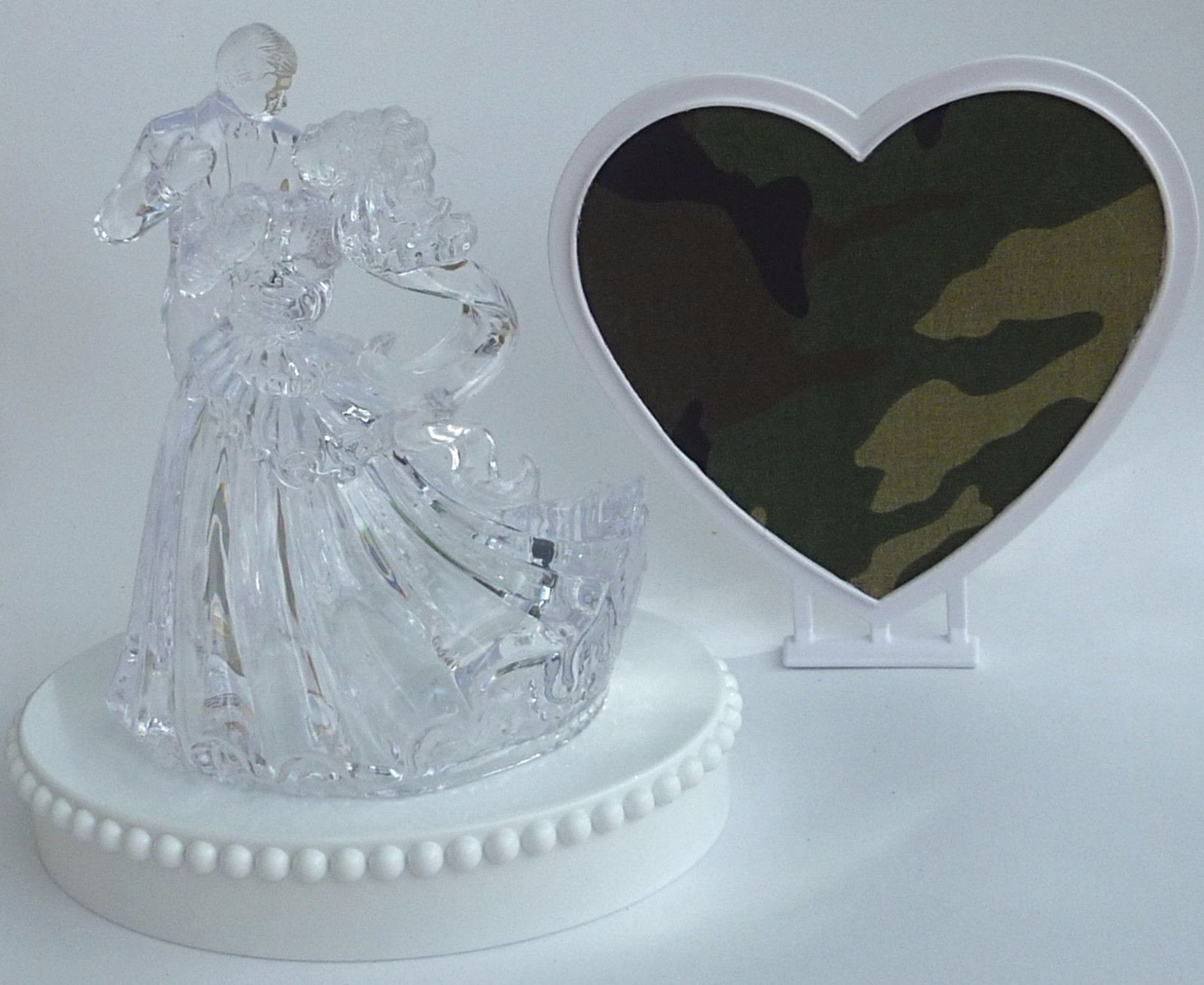 Camo groom's cake top Fun Wedding Things wedding cake topper camouflage green bride and groom dance heart background