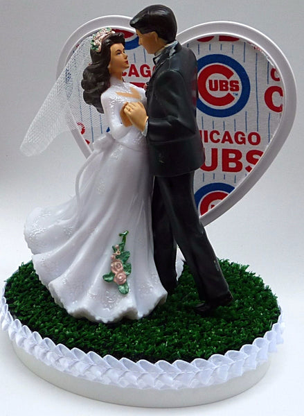 Chicago Cubs baseball cake topper wedding MLB groom's cake top dancing couple pretty green turf sports fans Fun Wedding Things reception gift