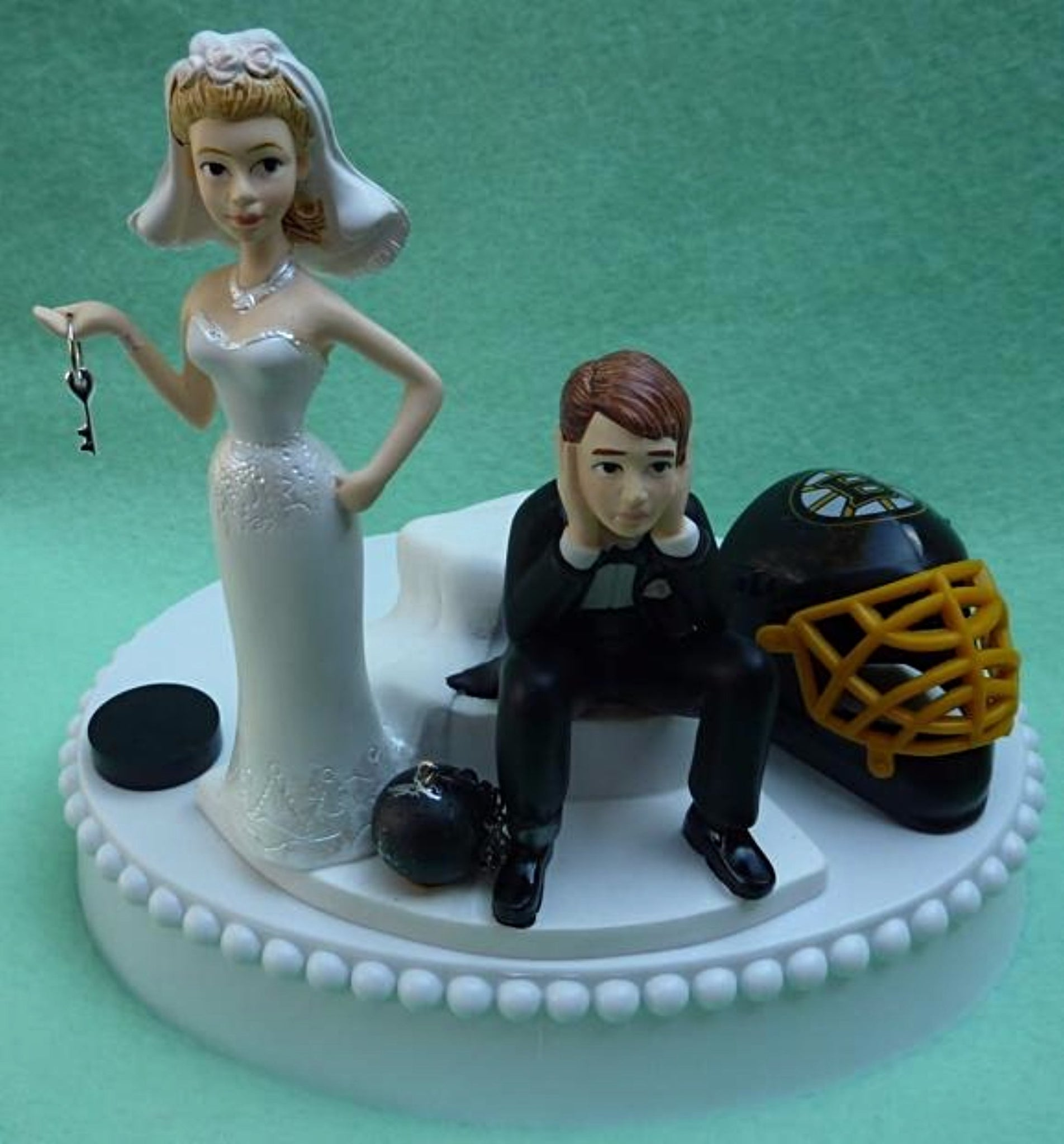 Boston Bruins wedding cake topper NHL hockey sports fans fun bride groom reception gift item idea Fun Wedding Things humorous