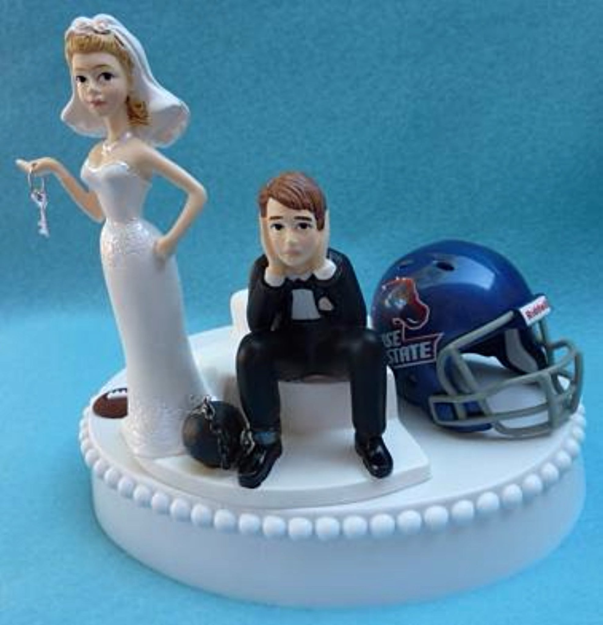 Boise St. wedding cake topper BSU Broncos football bride sad groom humorous ball chain key funny Fun Wedding Things
