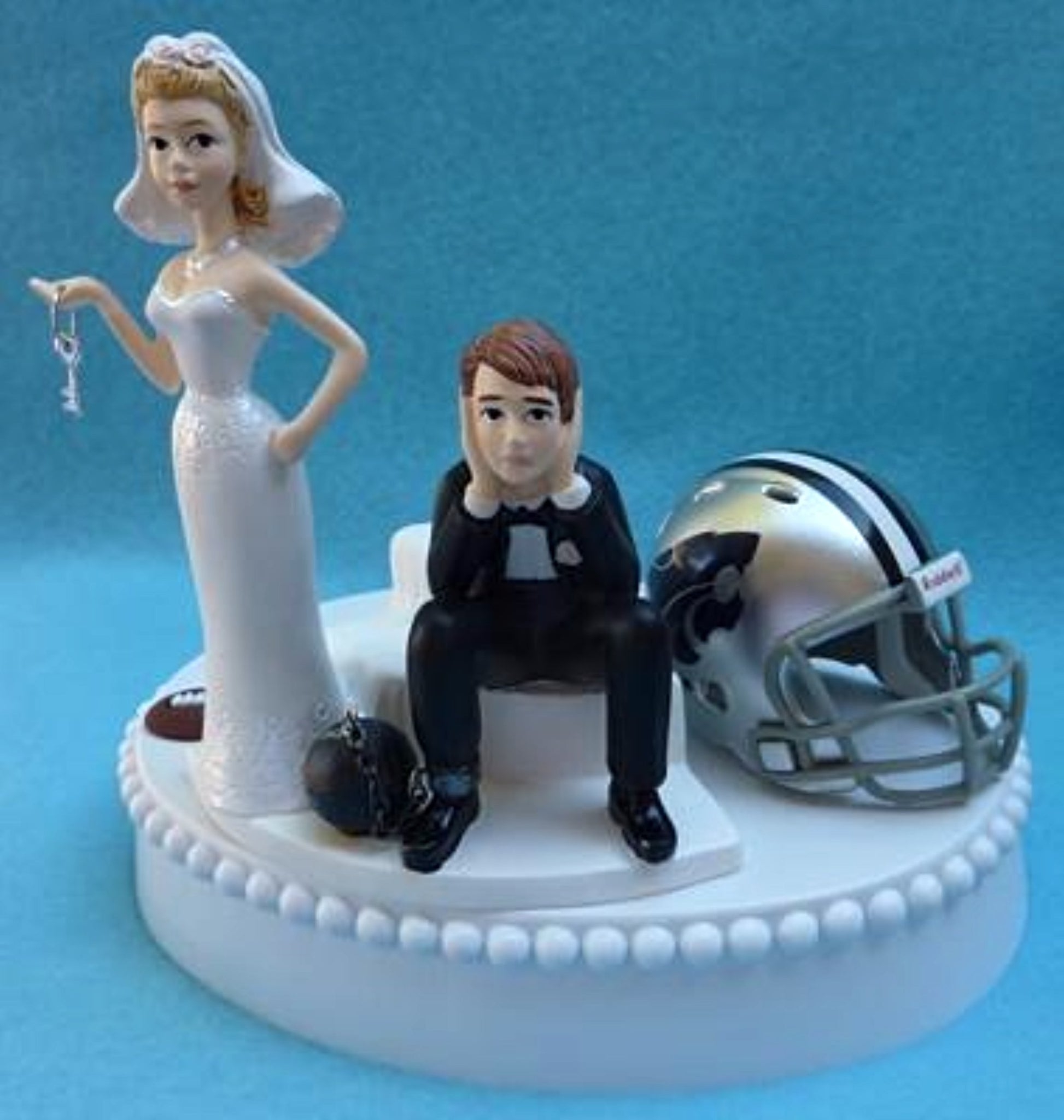 Kansas St. Wildcats wedding cake topper KSU University humorous ball chain bride sad groom key sports fans funny Fun Wedding Things