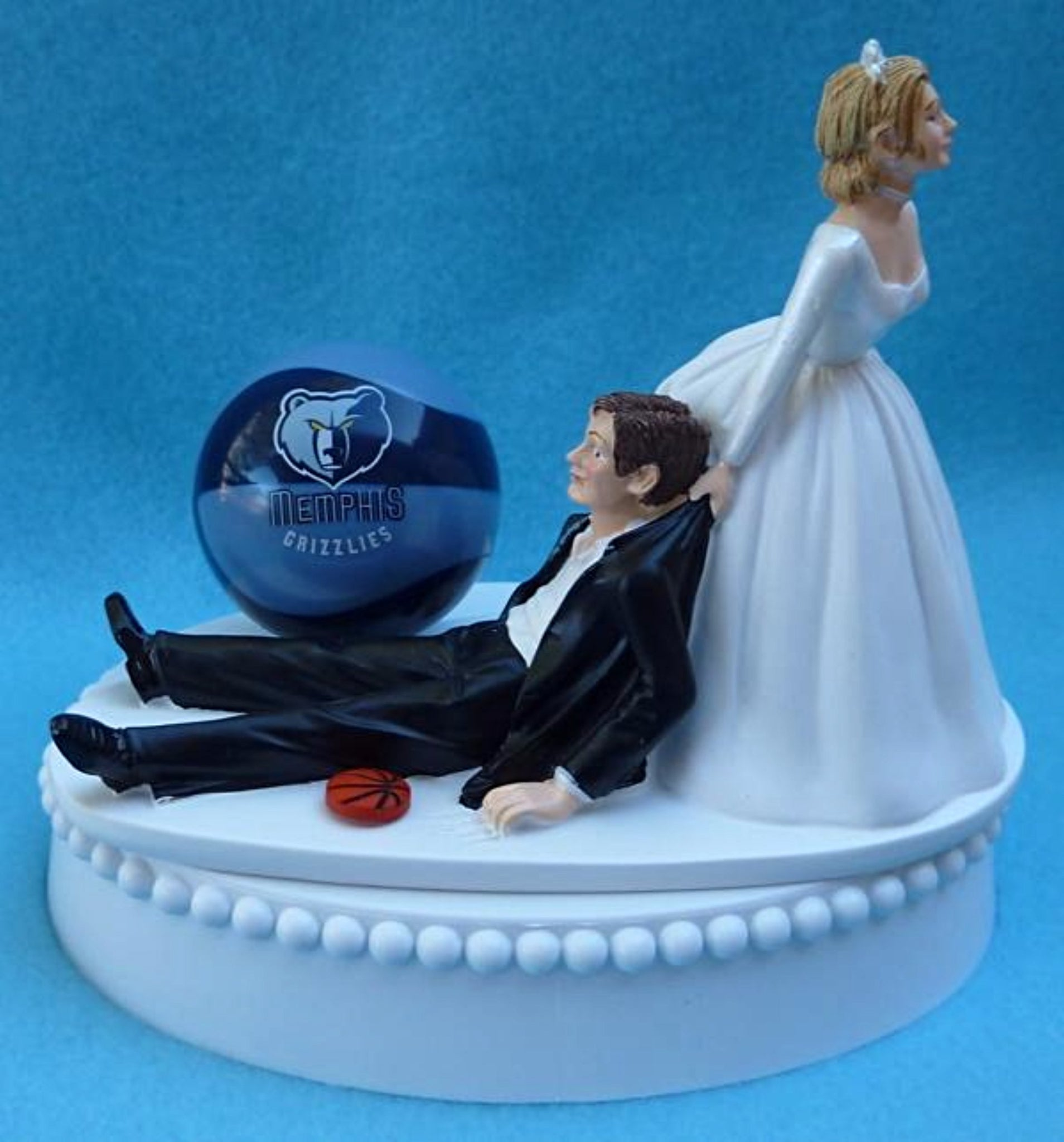 Memphis Grizzlies wedding cake topper groom's cake top humorous bride dragging groom funny unique sports fan fun