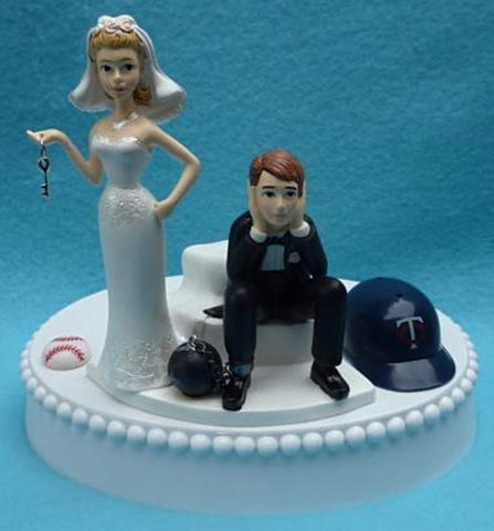 Minnesota Twins cake topper wedding MLB baseball sports fans fun bride dejected groom ball chain key humorous funny green turf reception gift