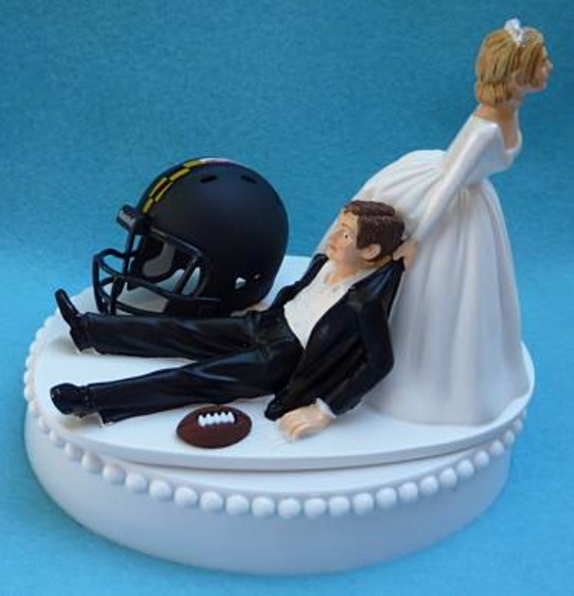 University of Maryland wedding cake topper Terrapins UM Terps football groom's cake top sports fans funny humorous reception gift ball helmet Fun Wedding Things
