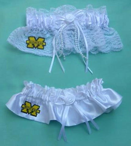 University of Michigan wedding garters Wolverines bridal garter set UM Blue reception fans Fun Wedding Things