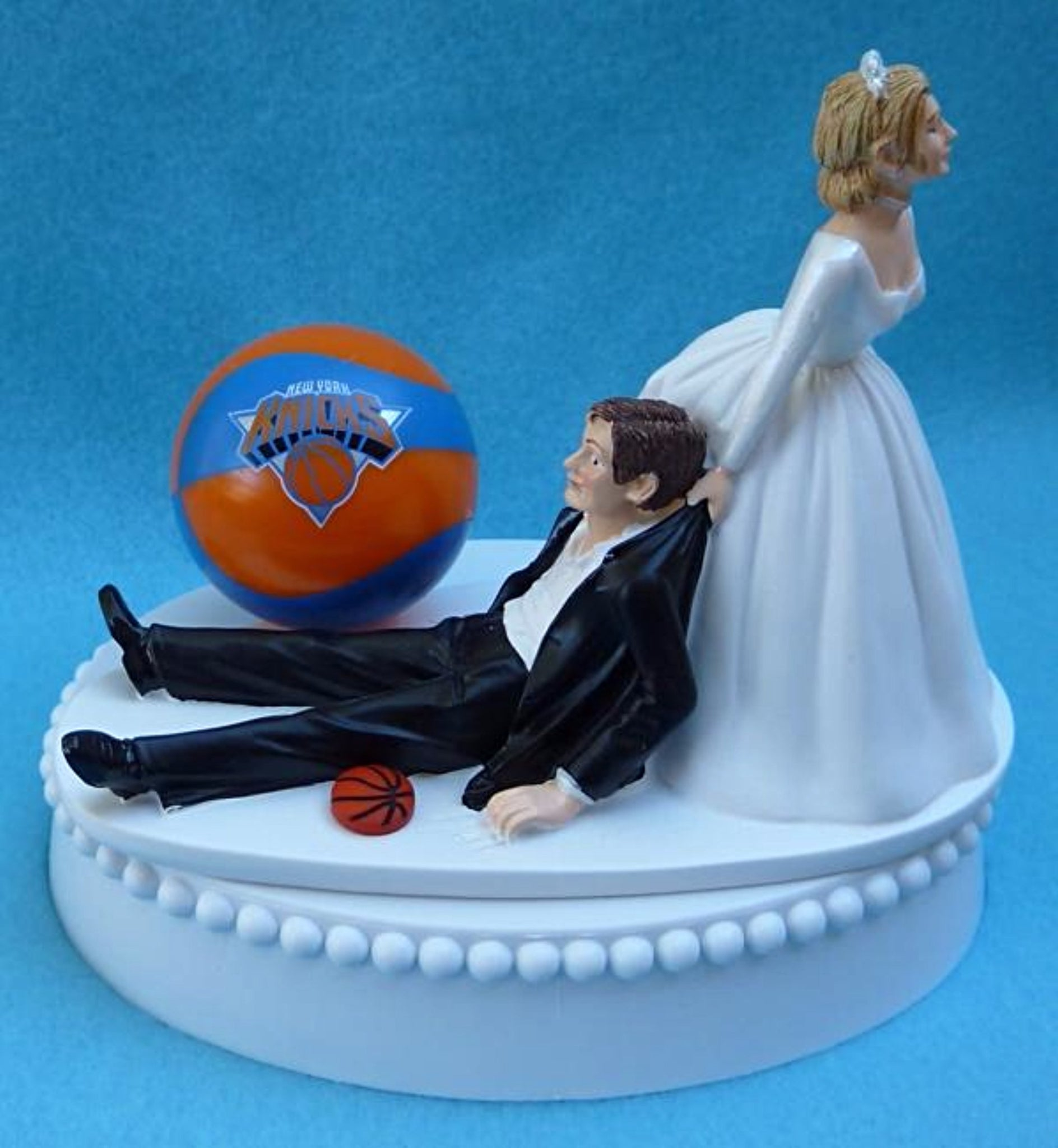 New York Knicks wedding cake topper NY basketball NBA humorous bride drags groom sports fans Fun Wedding Things ball reception gift item idea