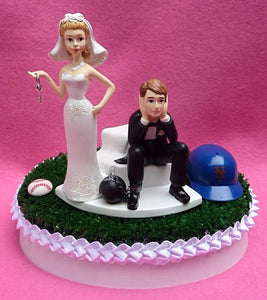 NY Mets wedding cake topper New York baseball MLB humorous funny bride groom key ball chain turf green Astroturf humorous reception funny gift idea item