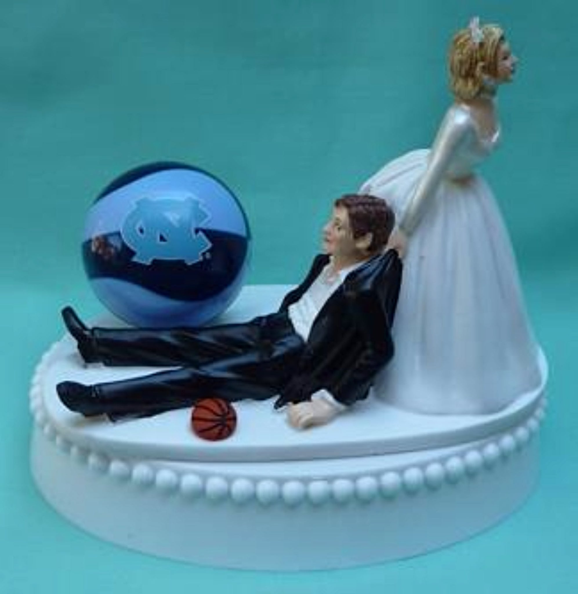 North Carolina basketball wedding cake topper University of UNC Tar Heels sports fans funny bride groom humor Fun Wedding Things