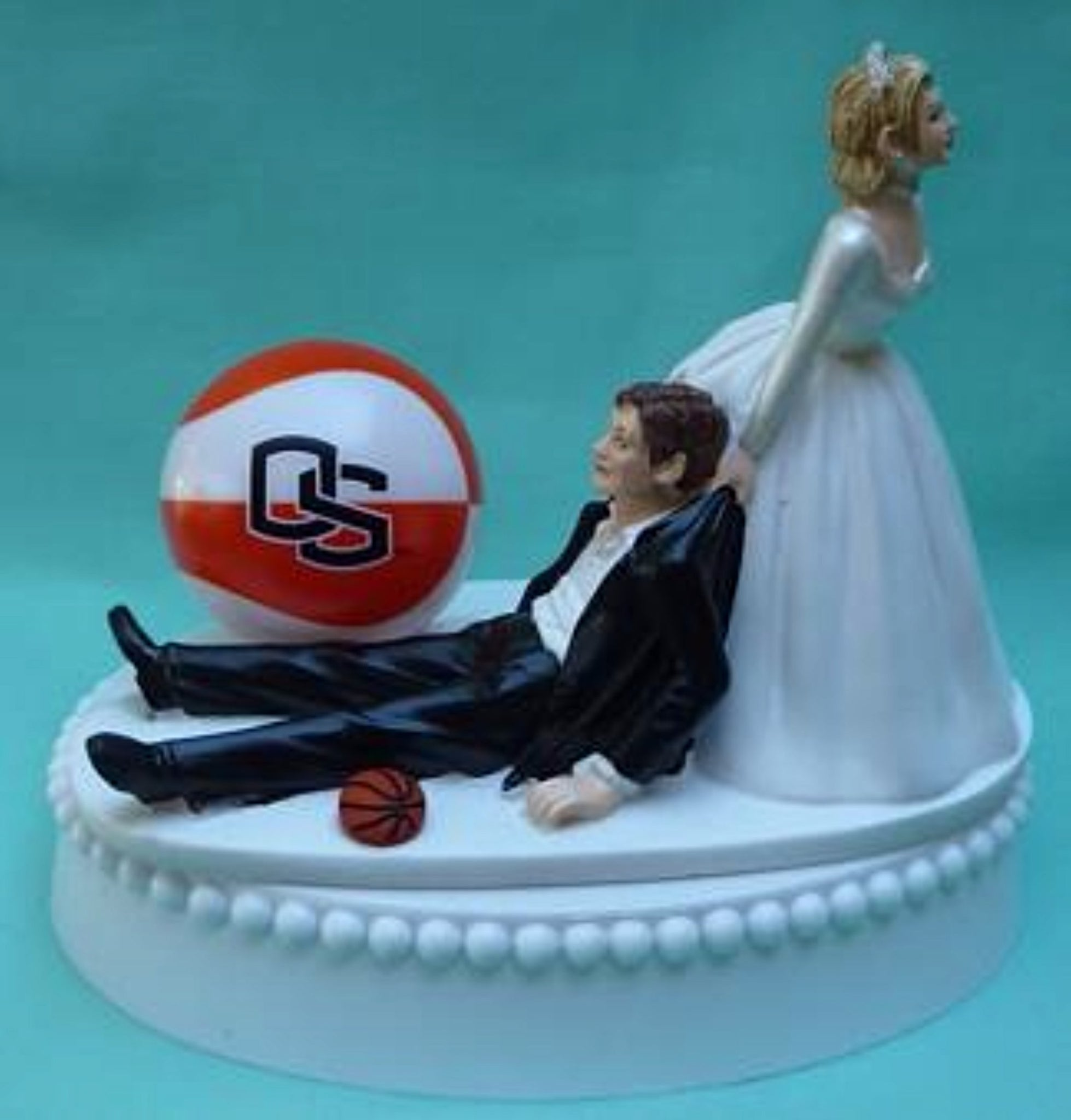 Oregon St. basketball wedding cake topper OSU Beavers State University funny fans humorous bride groom Fun Wedding Things