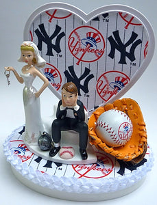 NY Yankees wedding cake topper baseball fans humorous MLB bride dejected groom ball chain key heart background backdrop unique original humorous fun sports fans