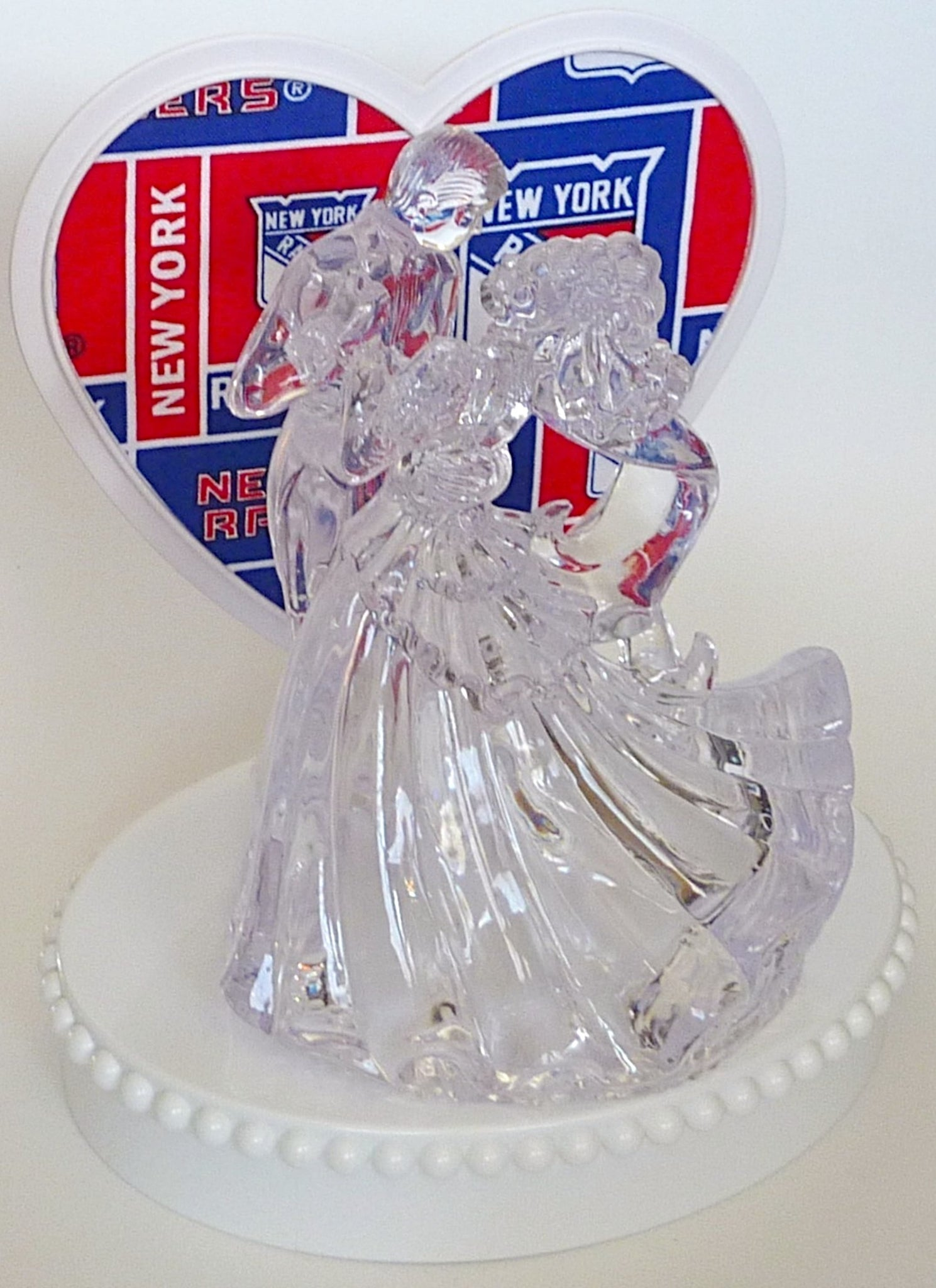 New York Rangers wedding cake topper reception bridal shower gift idea pretty unique Fun Wedding Things bride and groom first dance