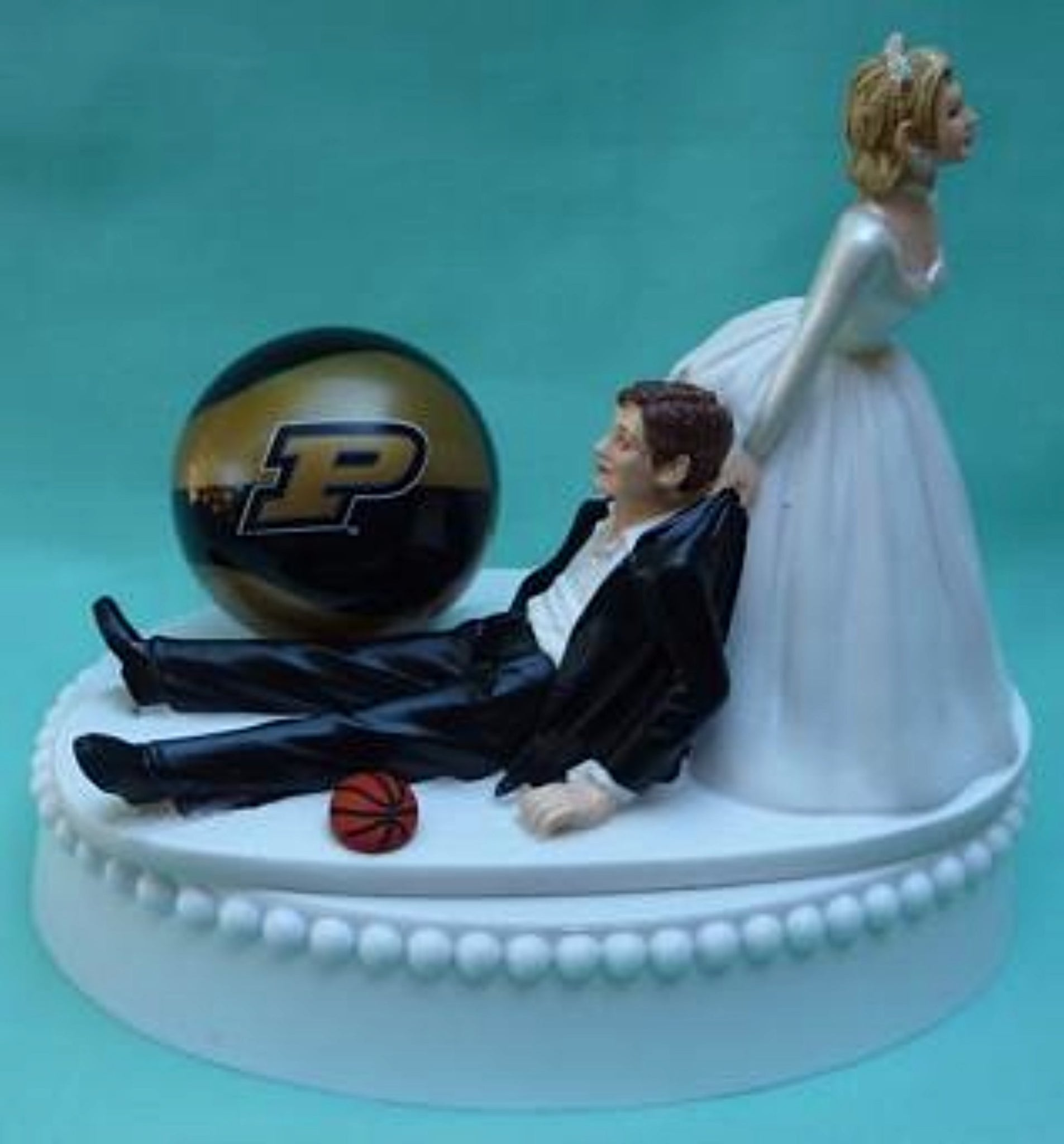 Purdue basketball wedding cake topper Boilermakers University sports fans funny bride groom humorous Fun Wedding Things