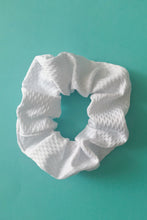 Scrunchie in white Jacquard
