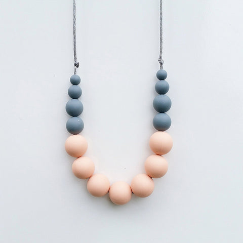 Betty Teething Necklace - Peach Blush