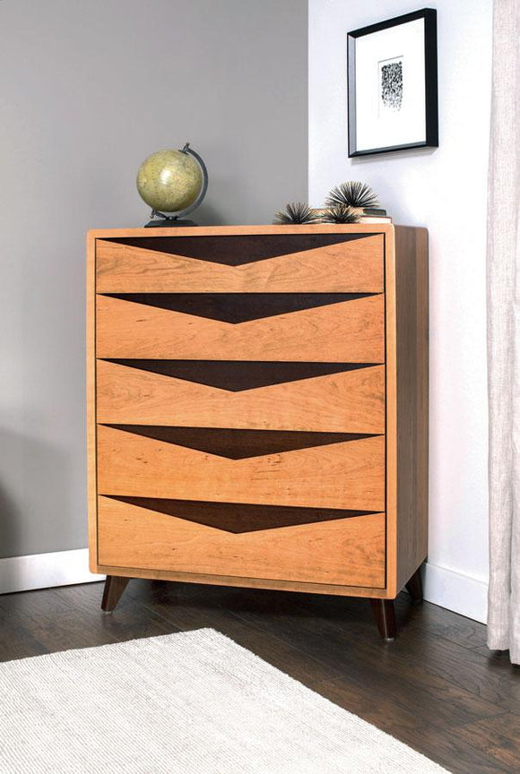 Simply Amish Bedroom Elroy 5-Drawer Chest
