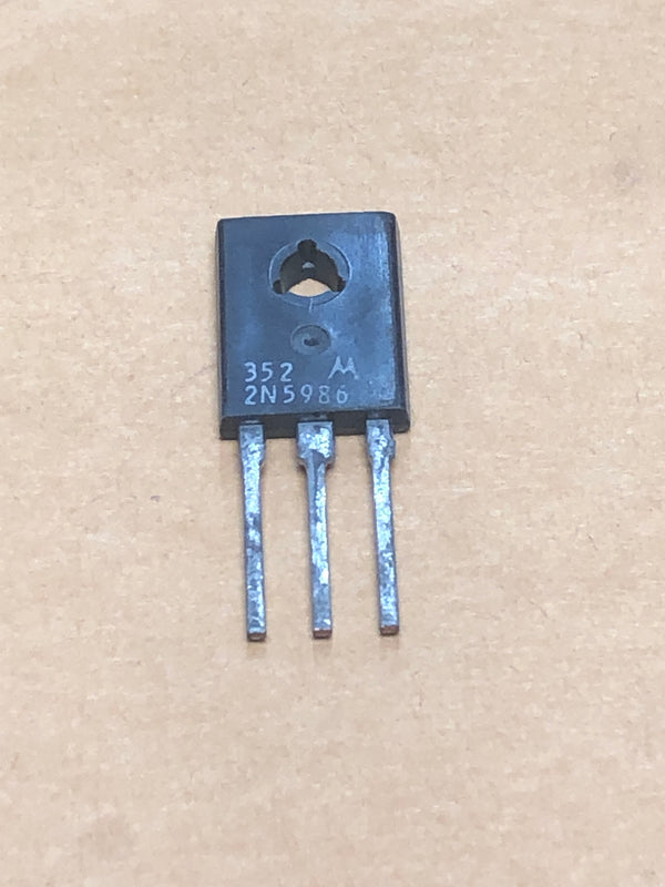 Silicon complementary transistor 2N5986 (183)