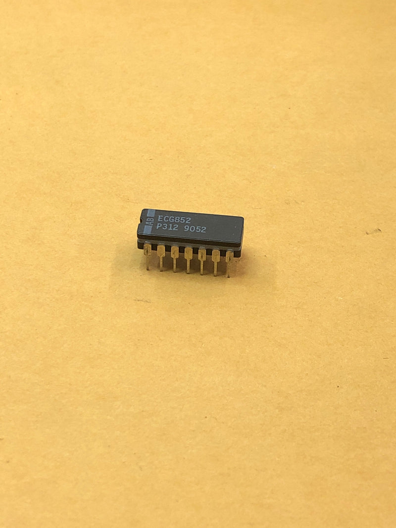 ECG852 IC Tv Support NO Hold Control Vertical/Horizontal Dip-14