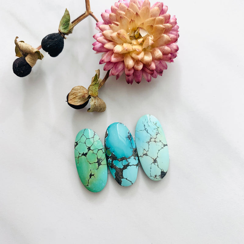 Small Mixed Surfboard Treasure Mountain Turquoise, Set of 3 Background