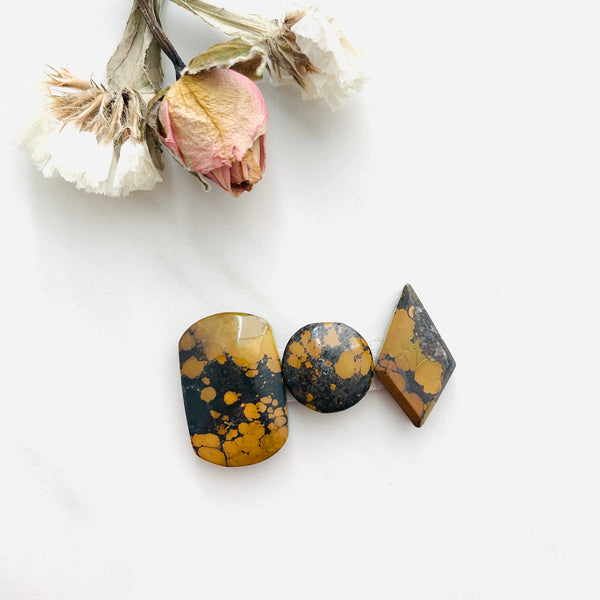 Medium Earth Brown Mixed Treasure Mountain Turquoise, Set of 3 Background