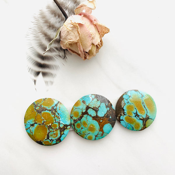 Large Sea Green Round Treasure Mountain Turquoise, Set of 3 Background
