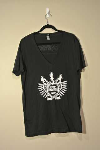 Classic Pump Militia V Neck Black w/ White