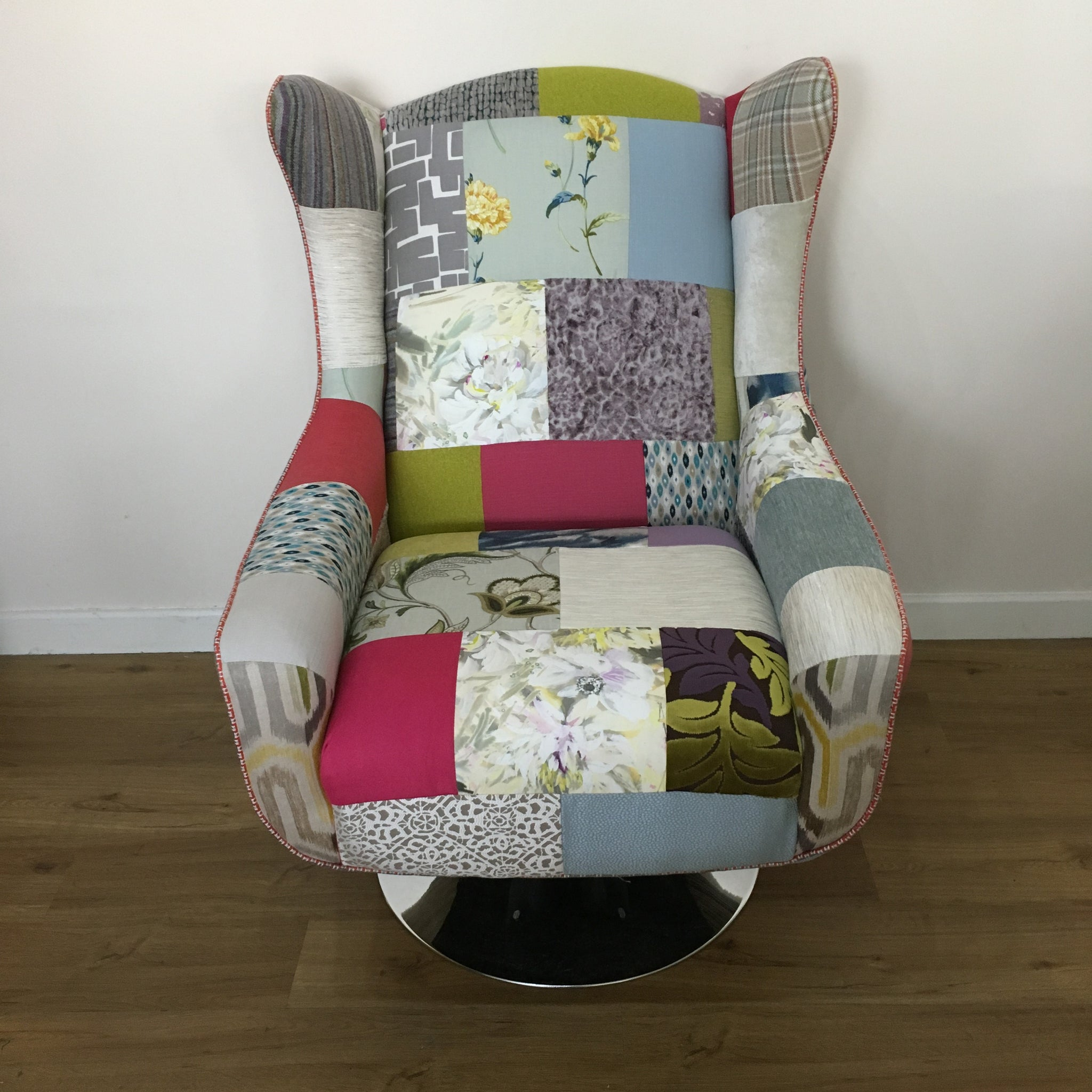Space Swivel Wing Chair ...