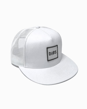 WAVY BASIC TRUCKER HAT