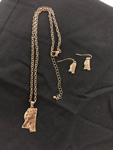 Mississippi Stamped Necklace & Earring Set - Gold