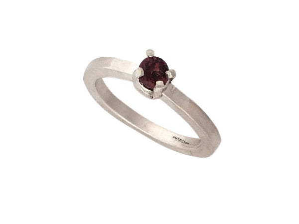 Minimalist Ring in silver with a Red Garnet