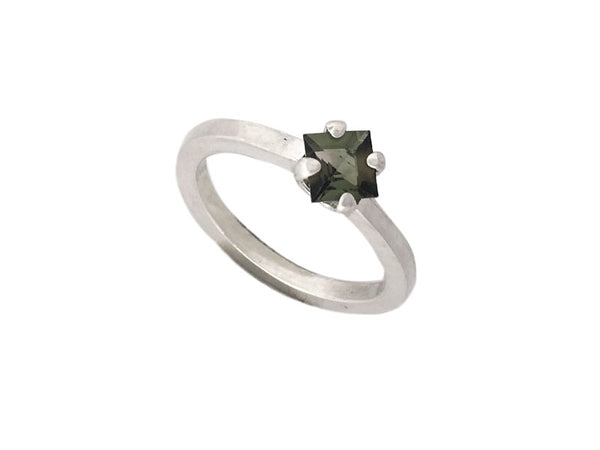 Minimalist Ring in silver with a Green Tourmaline