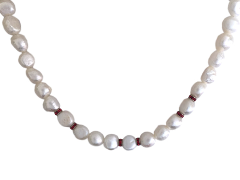 White pearls and red Swarovski crystals necklace