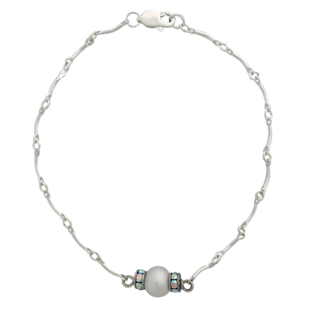 Minimalist pearl and silver chain bracelet